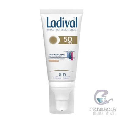 Ladival Acción Antimanchas Toque Seco FPS 50+ Color 50 ml